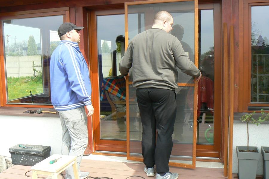 Moskitiery Drzwiowe Przesuwne Na Drzwi Wejściowe Tarasowe
